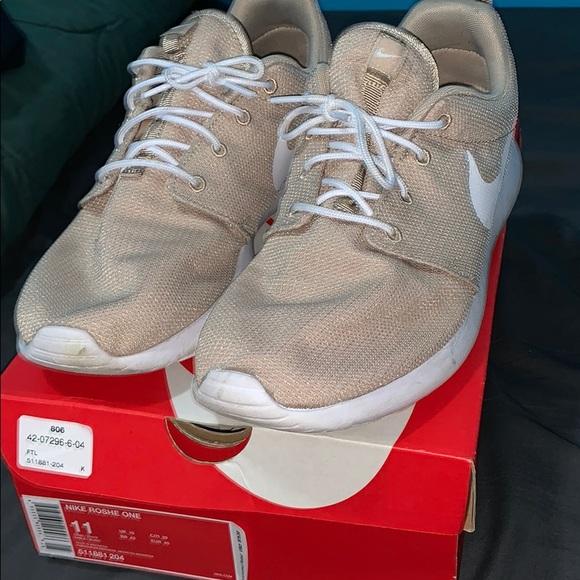 new arrival 726cf 9c346 Nike Roshe One Mens Sand White Mesh Running Shoes